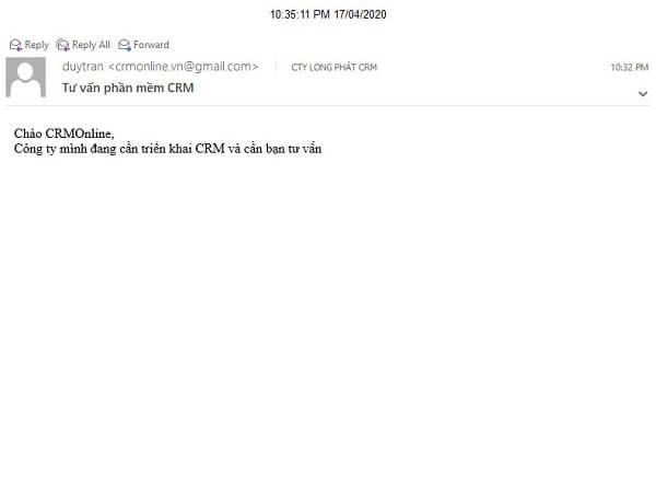 khách hàng nhận email